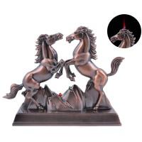 """Зажигалка сувенирная """"Два коня"""" (Турбо пламя) №XT-3901"""